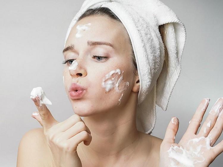 Các bước skincare dành cho da mụn và da dầu