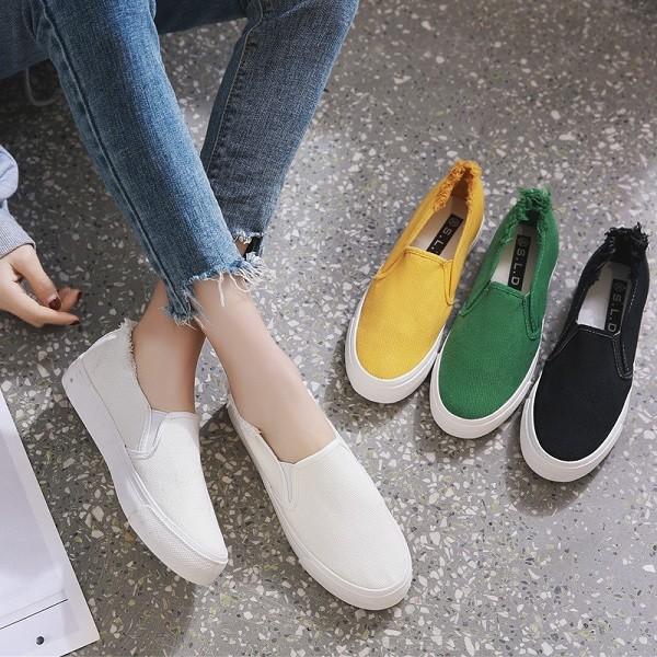Top 7 mẫu giày slip on nữ bán chạy nhất năm 2021