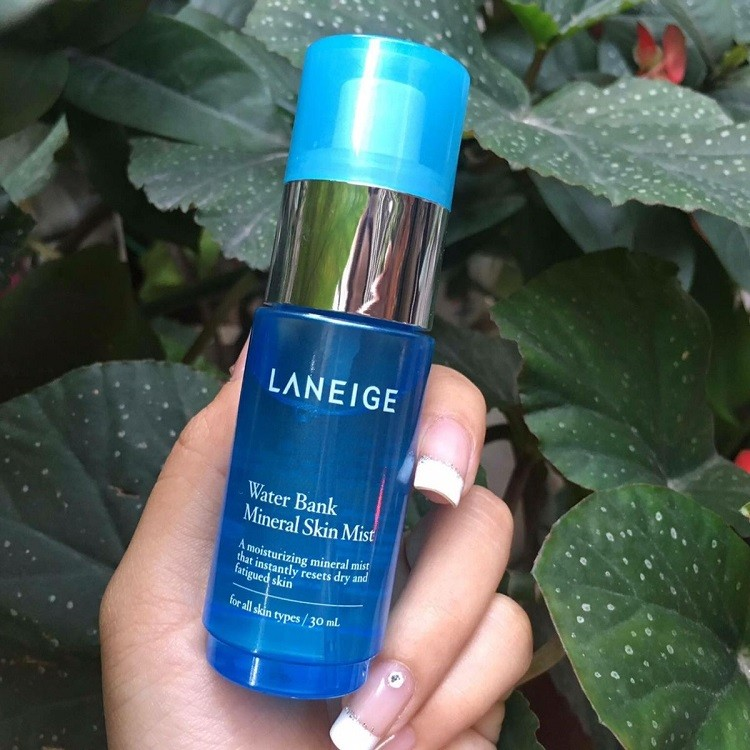 Xịt khoáng Laneige Water Bank Mineral Skin Mist