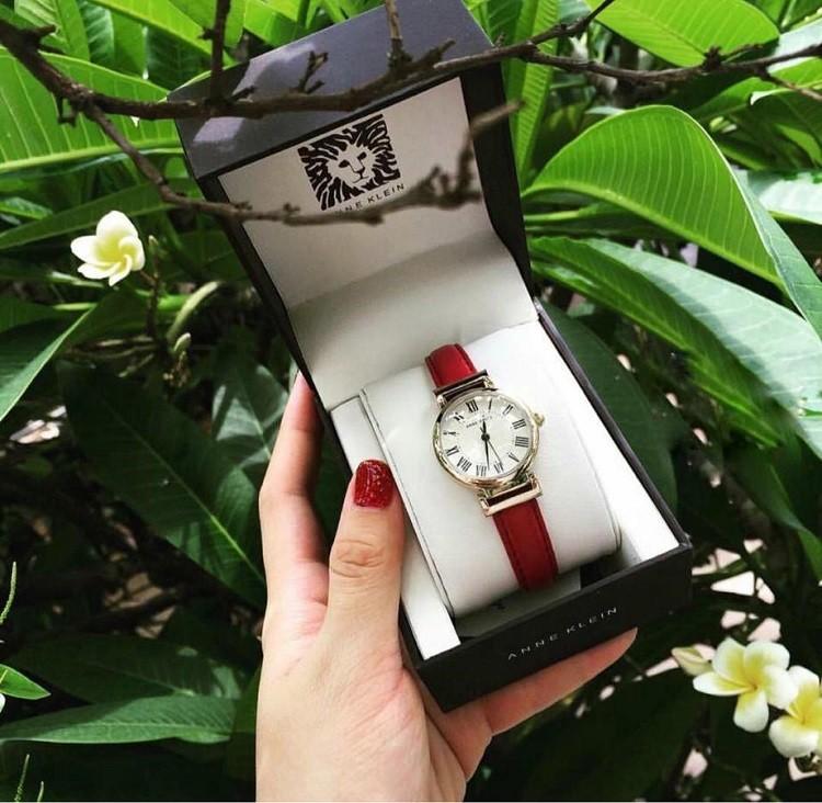 Đồng hồ dây da đỏ Anne Klein AK/2136CRBY