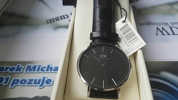 Đồng hồ Daniel Wellington DW00100135