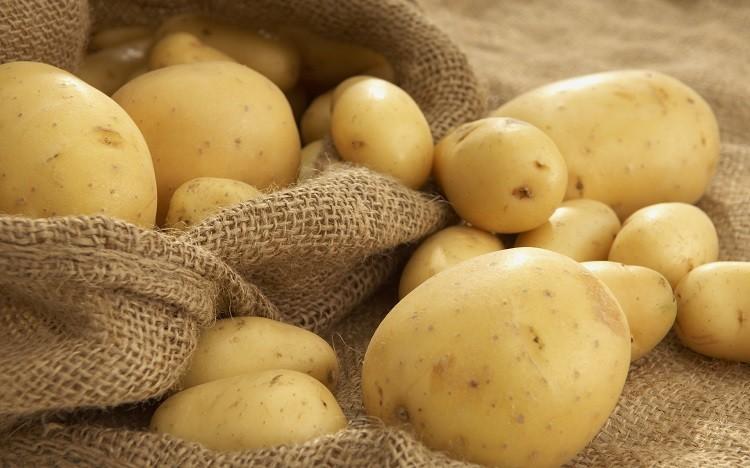 Trị quầng thâm bằng khoai tây