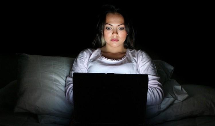 thói quen thức khuya