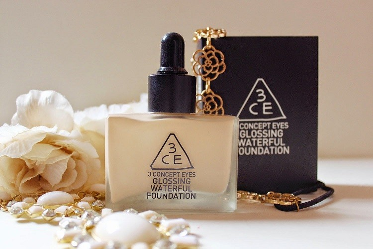 Glossing Waterful Foundation 3CE